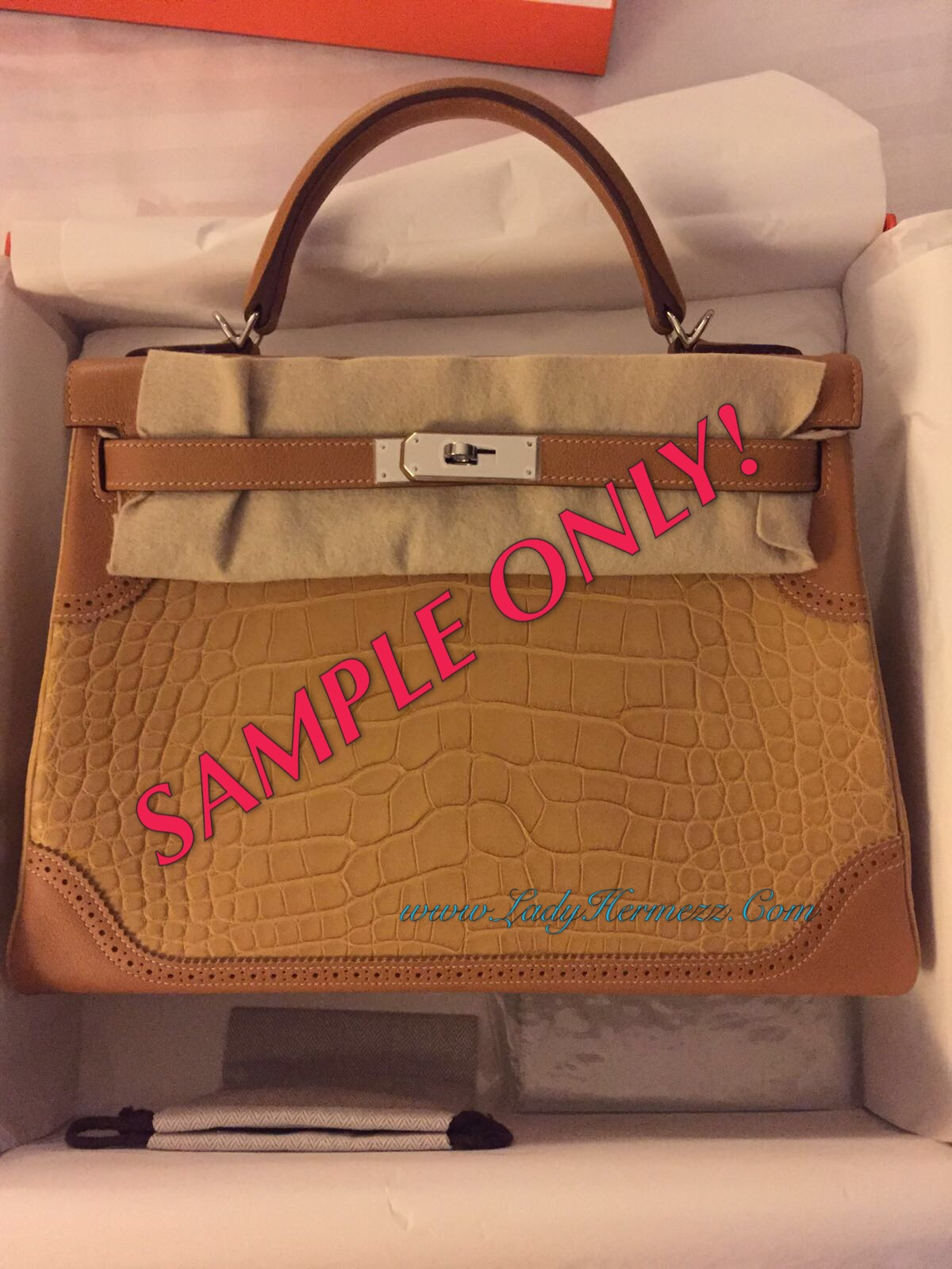 47ad5d1d78 32cm Hermes Kelly Ghillies in Pale brown Maise and Caramel trim. 2016  limited edition catwalk Hermes Kelly.